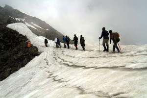 Group on the way to Srikahand Mahadev trek, GHNP