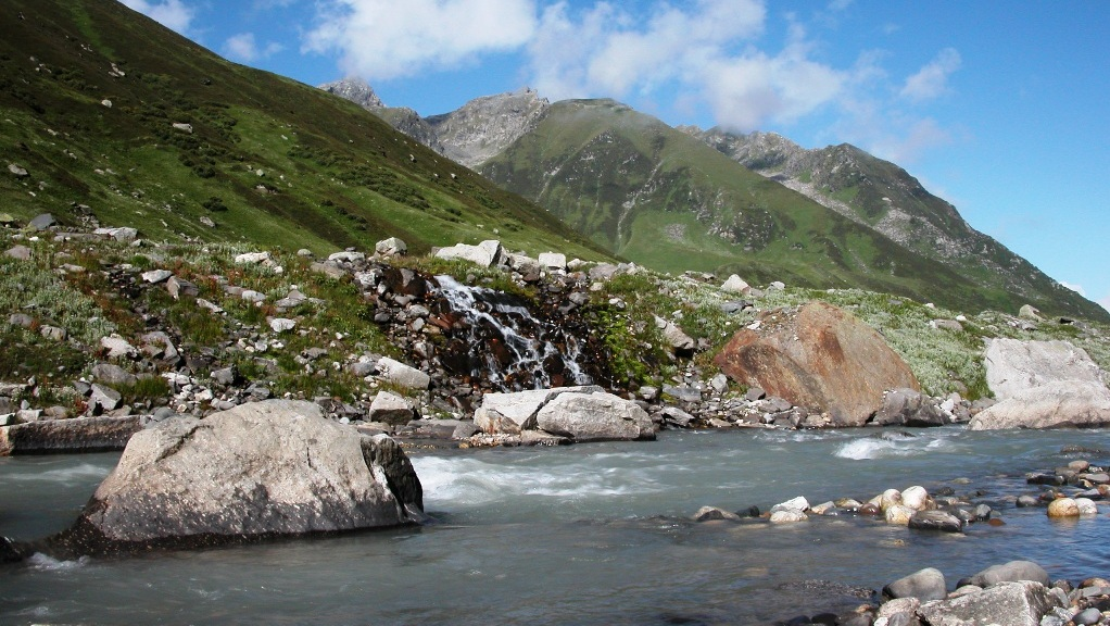 JIwa Nal river, below the Khandedhar campsite, GHNP